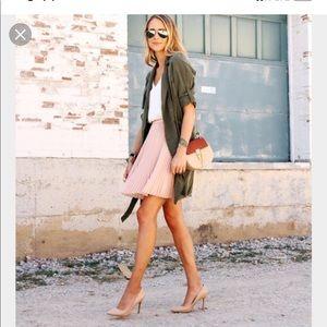 Banana Republic blush pink pleated skirt